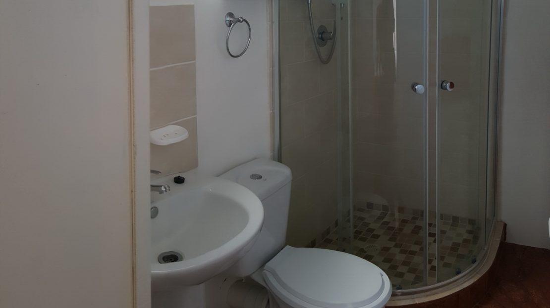 En suite Bathroom The Blue Lantern