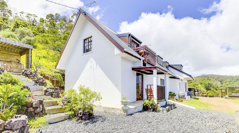 Jayes Guest house
